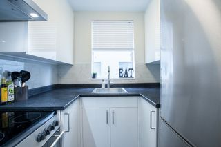 """Photo 7: 702 1219 HARWOOD Street in Vancouver: West End VW Condo for sale in """"CHELSEA"""" (Vancouver West)  : MLS®# R2313439"""