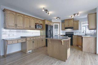 Photo 2: 22 Hidden Creek Green NW in Calgary: Hidden Valley Detached for sale : MLS®# A1091082