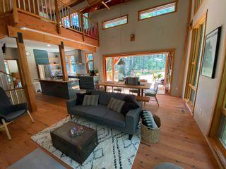 Photo 2: 9841 MCKENZIE Road in Halfmoon Bay: Halfmn Bay Secret Cv Redroofs House for sale (Sunshine Coast)  : MLS®# R2594064