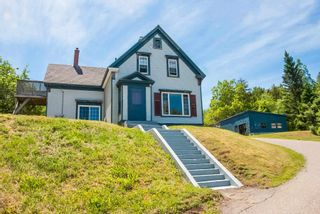 Photo 1: 2346 Highway 331 in Pleasantville: 405-Lunenburg County Residential for sale (South Shore)  : MLS®# 202114978