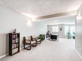 Photo 35: 54 Signature Close SW in Calgary: Signal Hill Detached for sale : MLS®# A1124573