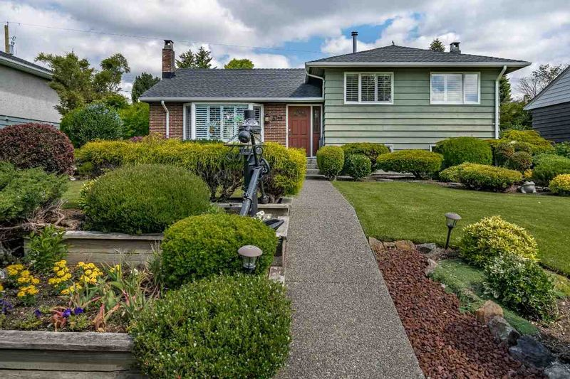 FEATURED LISTING: 3749 CARSON Street Burnaby