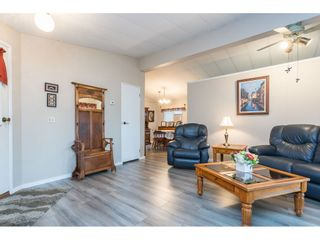 """Photo 8: 74 9080 198 Street in Langley: Walnut Grove Manufactured Home for sale in """"Forest Green Estates"""" : MLS®# R2457126"""