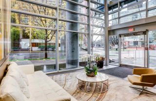 """Photo 3: 2701 1499 W PENDER Street in Vancouver: Coal Harbour Condo for sale in """"West Pender Place"""" (Vancouver West)  : MLS®# R2520927"""