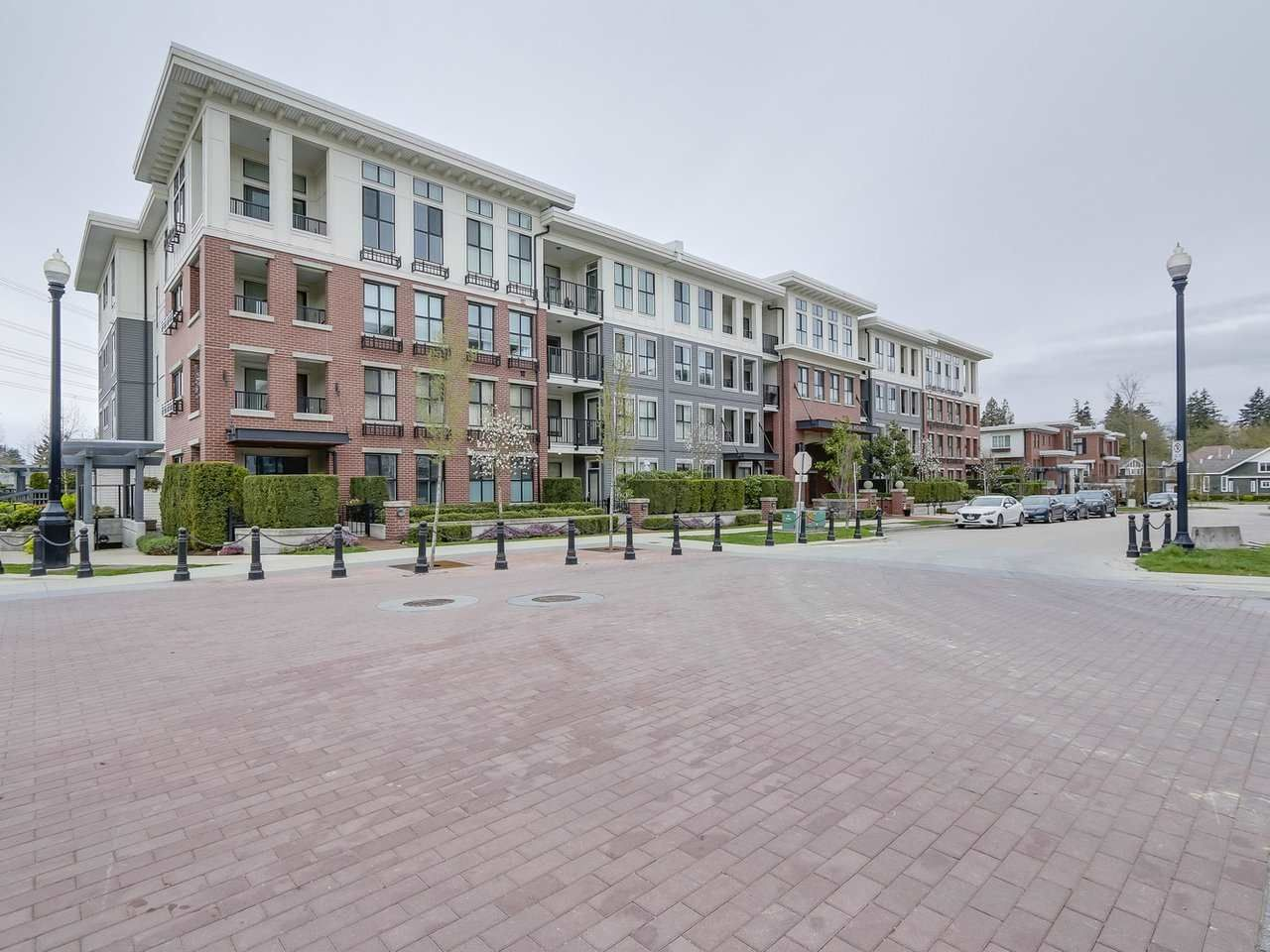 "Main Photo: 321 3323 151 Street in Surrey: Morgan Creek Condo for sale in ""Kingston House"" (South Surrey White Rock)  : MLS®# R2256585"