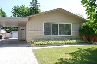 Photo 1: 6 Celtic Bay in Winnipeg: Fort Garry / Whyte Ridge / St Norbert Single Family Detached for sale (South Winnipeg)
