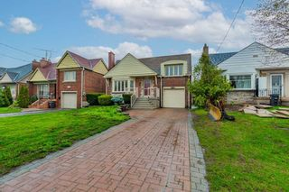 Photo 1: 2951 Kingston Road in Toronto: Cliffcrest House (Bungalow) for sale (Toronto E08)  : MLS®# E5215618