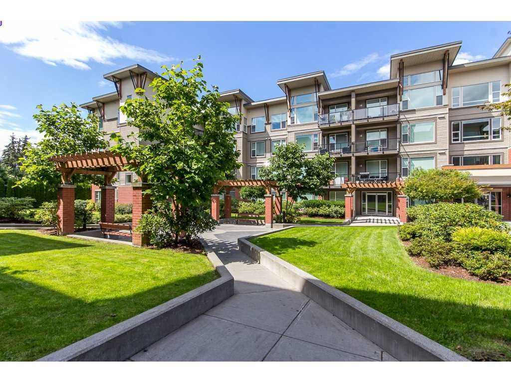 """Main Photo: 111 33538 MARSHALL Road in Abbotsford: Central Abbotsford Condo for sale in """"The Crossing"""" : MLS®# R2089653"""