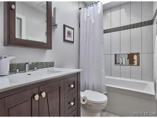 Photo 11: 916 Columbus Place in VICTORIA: La Walfred Residential for sale (Langford)  : MLS®# 315052