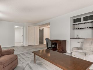 Photo 21: 636 STRATTON Terrace SW in Calgary: Strathcona Park Semi Detached for sale : MLS®# C4203169