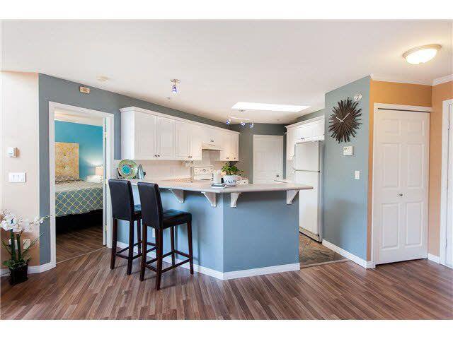 """Main Photo: 407 12125 75A Avenue in Surrey: West Newton Condo for sale in """"Strawberry Hill Estates"""" : MLS®# F1416649"""