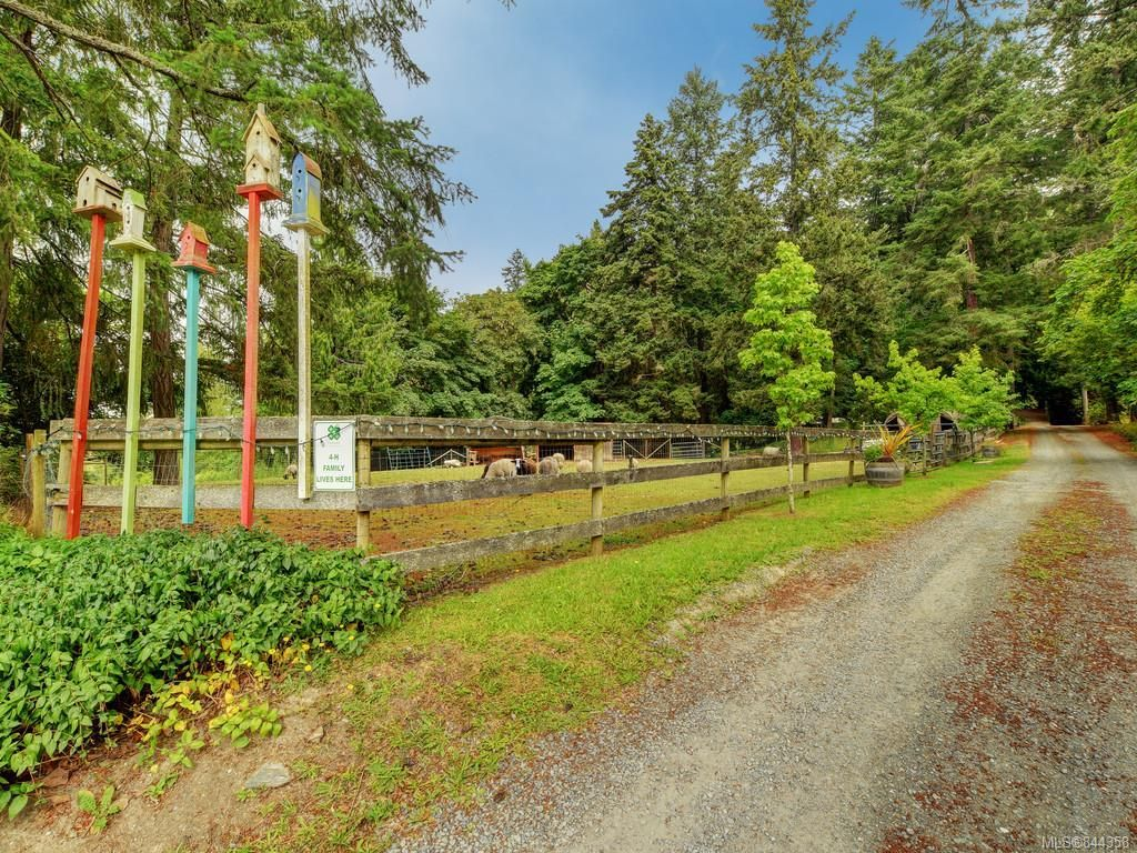 Main Photo: 5417 West Saanich Rd in Saanich: SW West Saanich House for sale (Saanich West)  : MLS®# 844358