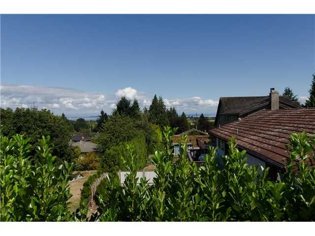 """Photo 11: Photos: 408 ALLEN Drive in Tsawwassen: Pebble Hill House for sale in """"PEBBLE HILL"""" : MLS®# V1137836"""