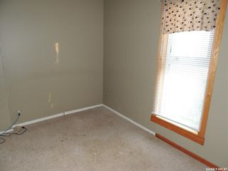 Photo 11: 214 Railway Avenue in Lampman: Residential for sale : MLS®# SK866334