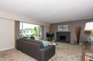 Photo 2: 4463 45A Avenue in Delta: Port Guichon House for sale (Ladner)  : MLS®# R2063199