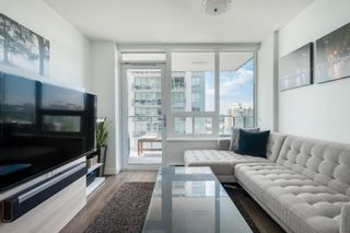 """Photo 2: 1409 908 QUAYSIDE Drive in New Westminster: Quay Condo for sale in """"Riversky 1"""" : MLS®# R2483155"""