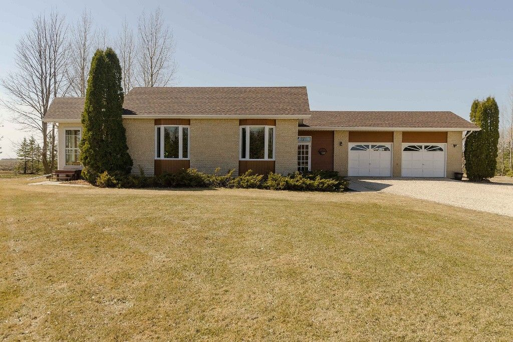 Main Photo: 56146 Meadowvale Road in RM Springfield: Single Family Detached for sale : MLS®# 1509151