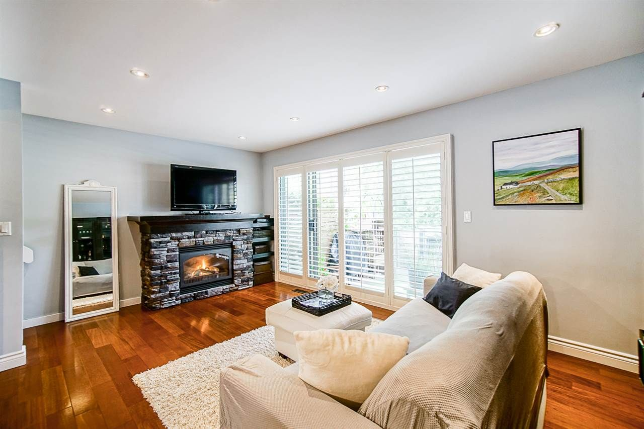 """Photo 7: Photos: 1 1960 RUFUS Drive in North Vancouver: Westlynn Townhouse for sale in """"Mountain Estates"""" : MLS®# R2487288"""