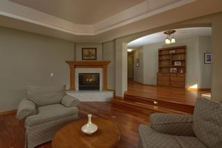 Photo 4: 2018 56 Avenue SW in Calgary: North Glenmore Park Detached for sale : MLS®# A1153121