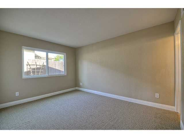 Photo 12: Photos: MIRA MESA House for sale : 3 bedrooms : 9076 Kirby Court in San Diego
