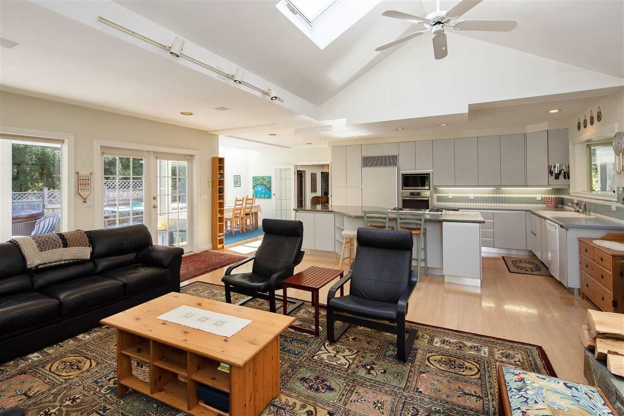 Photo 14: Photos: 1988 ACADIA Road in Vancouver: University VW House for sale (Vancouver West)  : MLS®# R2536524