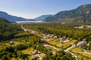 """Photo 1: 39172 WOODPECKER Place in Squamish: Brennan Center Land for sale in """"Ravenswood"""" : MLS®# R2476466"""