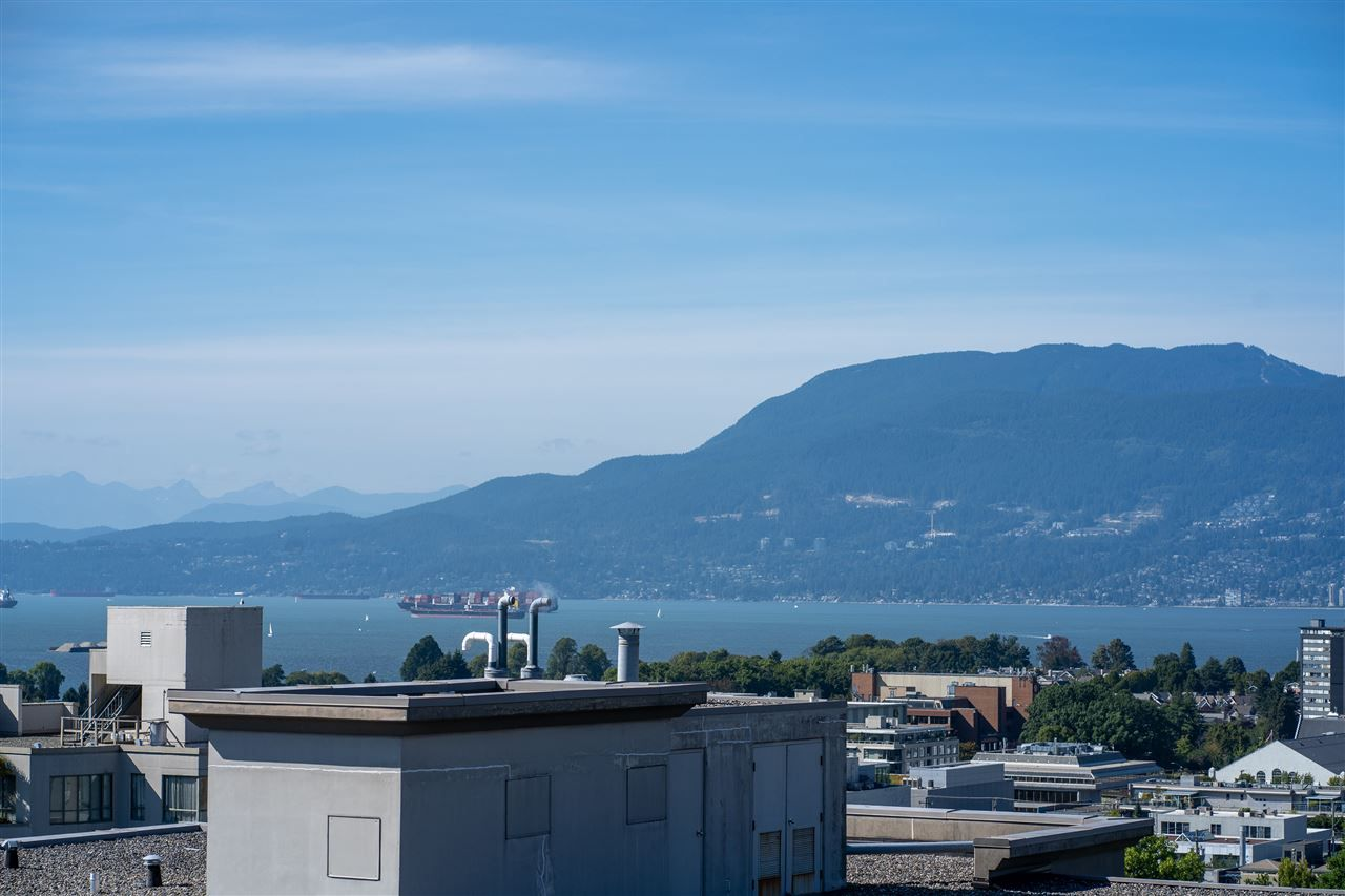 This condo has a prized ocean view as it sits above the complex on the street across from it. The panoramic views extend to the beautiful downtown and north shore mountain views.