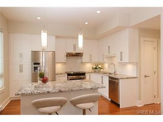 Photo 8: Fee Simple Townhome in Sidney By The Sea