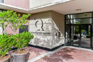 """Photo 4: 1704 1 RENAISSANCE Square in New Westminster: Quay Condo for sale in """"Q"""" : MLS®# R2539218"""