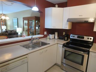 Photo 14: 228 1252 TOWN CENTRE Boulevard in Coquitlam: Canyon Springs Condo for sale : MLS®# R2094814