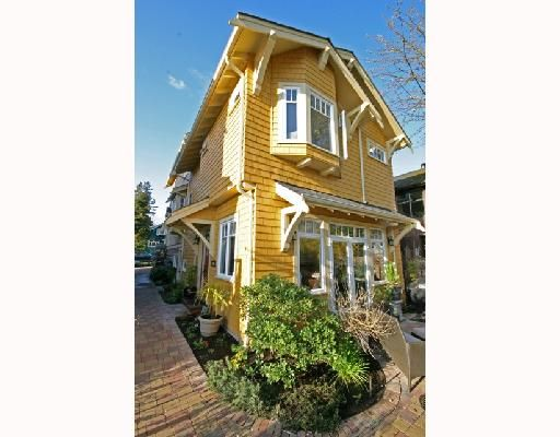 Photo 3: Photos: 3530 W 5TH Avenue in Vancouver: Kitsilano 1/2 Duplex for sale (Vancouver West)  : MLS®# V701973
