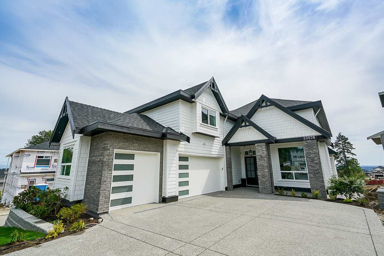 Main Photo: 20578 71B Avenue in Langley: Willoughby Heights House for sale : MLS®# R2405072