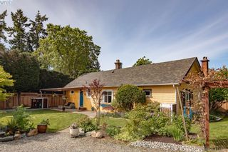 Photo 3: 1125 Clarke Rd in BRENTWOOD BAY: CS Brentwood Bay House for sale (Central Saanich)  : MLS®# 817107