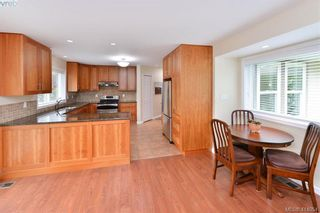 Photo 10: 1179 Sunnybank Crt in VICTORIA: SE Sunnymead House for sale (Saanich East)  : MLS®# 821175