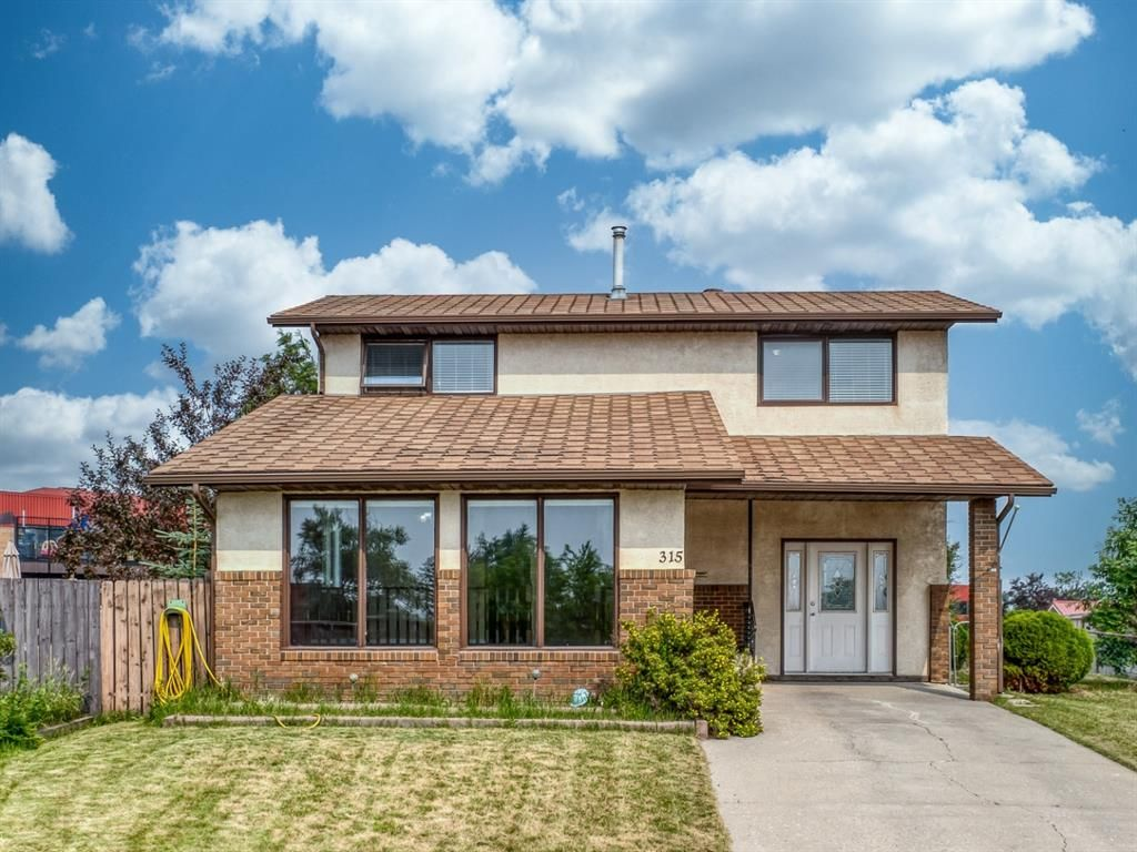 Main Photo: 315 Ranchlands Court NW in Calgary: Ranchlands Detached for sale : MLS®# A1131997