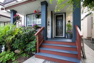 """Photo 2: 8688 207 Street in Langley: Walnut Grove House for sale in """"Discovery Towne"""" : MLS®# R2077292"""
