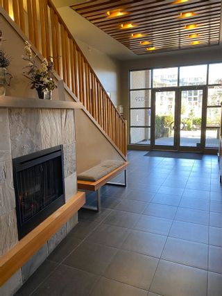 """Photo 12: 402 9329 UNIVERSITY Crescent in Burnaby: Simon Fraser Univer. Condo for sale in """"HARMONY"""" (Burnaby North)  : MLS®# R2582592"""