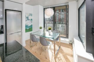 """Photo 3: 2309 108 W CORDOVA Street in Vancouver: Downtown VW Condo for sale in """"WOODWARDS W32"""" (Vancouver West)  : MLS®# R2146313"""