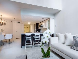 "Photo 12: 1110 HORNBY Street in Vancouver: Downtown VW Townhouse for sale in ""ARTESMIA"" (Vancouver West)  : MLS®# R2575042"