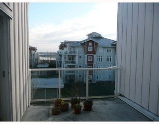 Photo 5: 433 4280 MONCTON Street in Richmond: Steveston South Home for sale ()  : MLS®# V691145