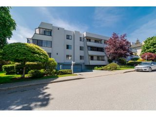 """Photo 2: 101 1341 GEORGE Street: White Rock Condo for sale in """"Oceanview"""" (South Surrey White Rock)  : MLS®# R2600581"""