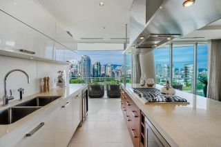 Photo 10: 1702 1560 HOMER Mews in Vancouver: Yaletown Condo for sale (Vancouver West)  : MLS®# R2589713