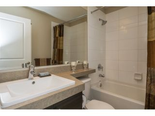 """Photo 14: 21 21867 50 Avenue in Langley: Murrayville Townhouse for sale in """"Winchester"""" : MLS®# R2009721"""