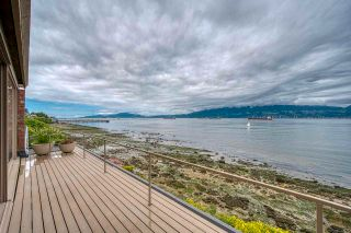 """Photo 14: 3281 POINT GREY Road in Vancouver: Kitsilano House for sale in """"ARTHUR ERIKSON"""" (Vancouver West)  : MLS®# R2580365"""