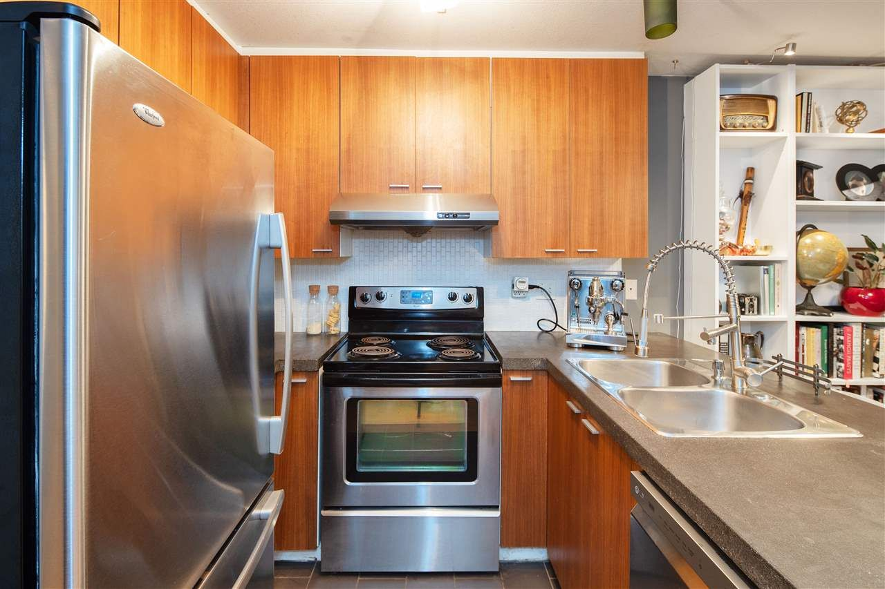 """Photo 9: Photos: 102 788 E 8TH Avenue in Vancouver: Mount Pleasant VE Condo for sale in """"Chelsea Court"""" (Vancouver East)  : MLS®# R2515993"""