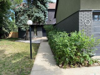 Photo 1: 10 McNiven Place in Regina: Hillsdale Residential for sale : MLS®# SK867900