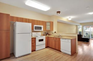 """Photo 4: 30 2000 PANORAMA Drive in Port Moody: Heritage Woods PM Townhouse for sale in """"Mountain's Edge"""" : MLS®# R2597396"""