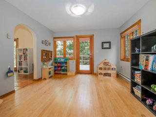 Photo 6: 3204 HUCKLEBERRY Road: Roberts Creek House for sale (Sunshine Coast)  : MLS®# R2364064