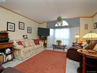 Photo 2: 21 1581 Middle Rd in VICTORIA: VR Glentana Manufactured Home for sale (View Royal)  : MLS®# 799550