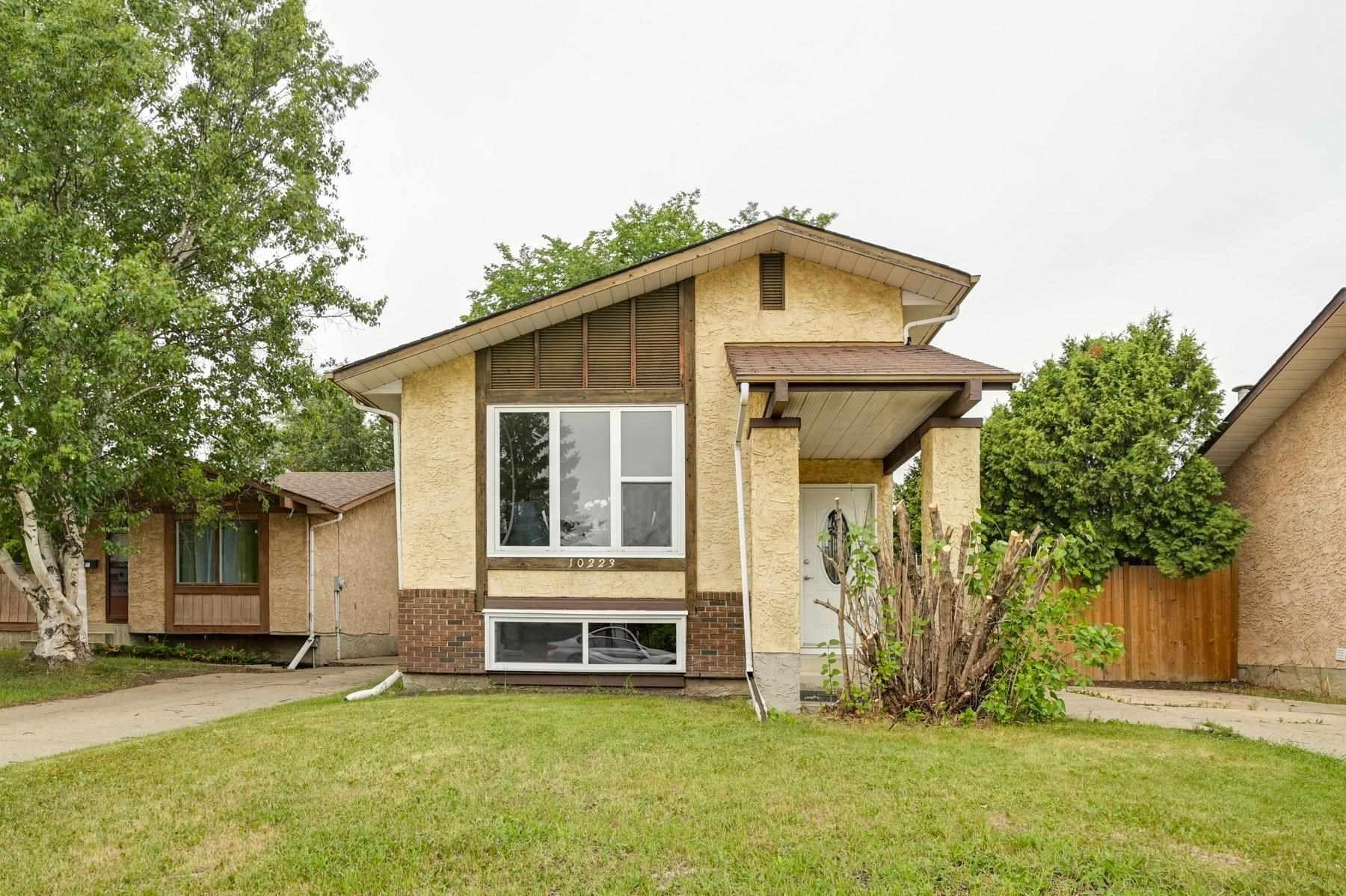 Main Photo: 10223 171A Avenue in Edmonton: Zone 27 House for sale : MLS®# E4255487